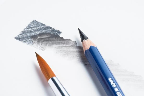 水彩鉛筆で、陰影にとんだカッコイイ絵を描こう!