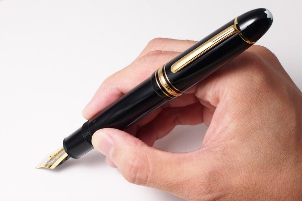 万年筆ユーザーそれぞれの流儀【1】 いつ使う?どう使う?の巻