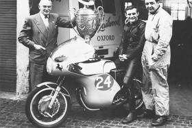 40年前、四輪のF1を引退してから二輪のマン島TTで優勝した男がいる『マイク・ザ・バイク』