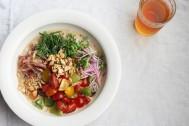 夏はカラフルが◎ 野菜や薬味をたっぷり使って家でも作れるエスニック麺11品