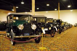 クルマ収集も突き詰めるとガレージが博物館になるという実例!
