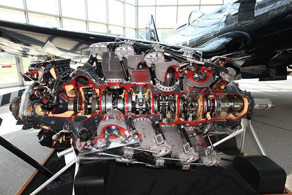 ゼロ戦の4倍以上の馬力! 28気筒7万1500ccを積んだF2Gスーパーコルセア