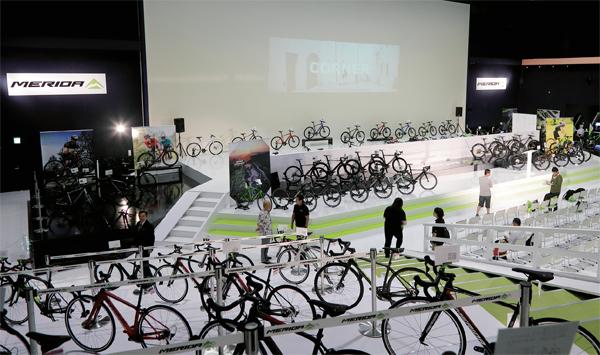 """自転車を""""体験""""できる! 静岡県伊豆の国市に「MERIDA X BASE」オープン"""