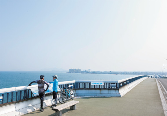 自転車がそのまま積み込める専用高速バスツアーで行くビワイチツアー