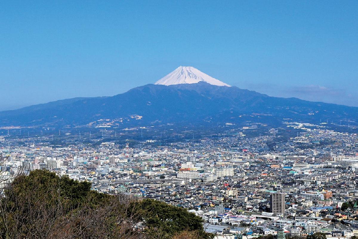 PEAKS特別編集 冬こそ登りたい山詳細ルートガイド