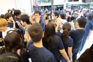 700人以上が行列、Apple渋谷リニューアルオープン! iPhone XRも発売!