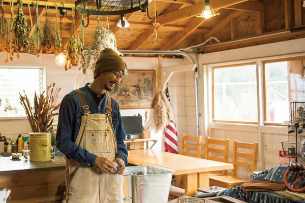 【空間演出術を学ぶvol.1】平屋とガレージとウッドデッキ…。夢のオールドアメリカンな世界に暮らす