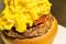 とろっとろのチーズに、肉汁ジュワ~。テンションがあがる進化系チーズバーガー