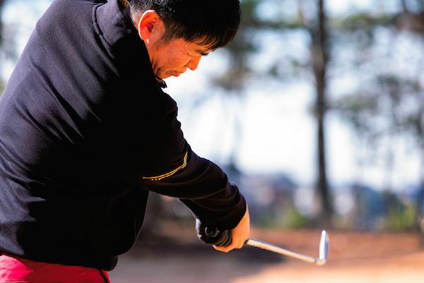 アマチュアゴルファー必見! 地面反力を使って飛距離アップ