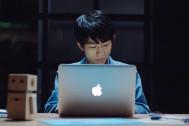 Appleが学生の活動を紹介するキャンペーン「Macの向こうから」