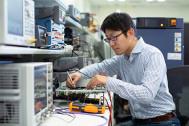 秘密主義をやめたアップル。日本で4000人を雇用し、80万の雇用を生み出していることを発表