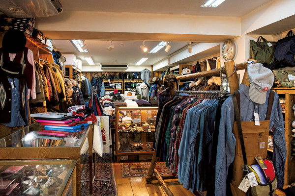 日本のアメカジファッションを支えて40年、誰もがココから教わった渋谷の名店『レッド・ウッド』