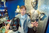 SF映画にハマり、SF映画ファンのためのBARまでオープンした、SF映画グッズ王がいた!